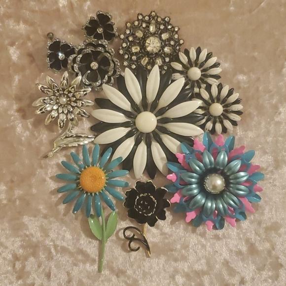 Vintage Enamel Flower with Flower pattern Pin Brooch